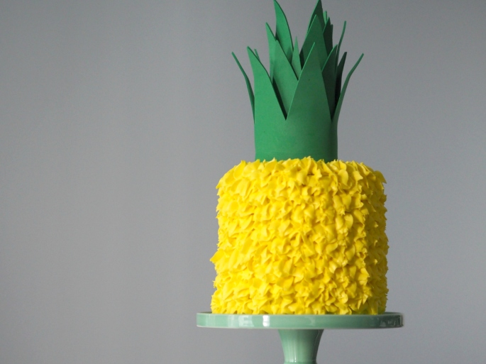 pineapple shaped cake happy birthday sincerely syl 6546