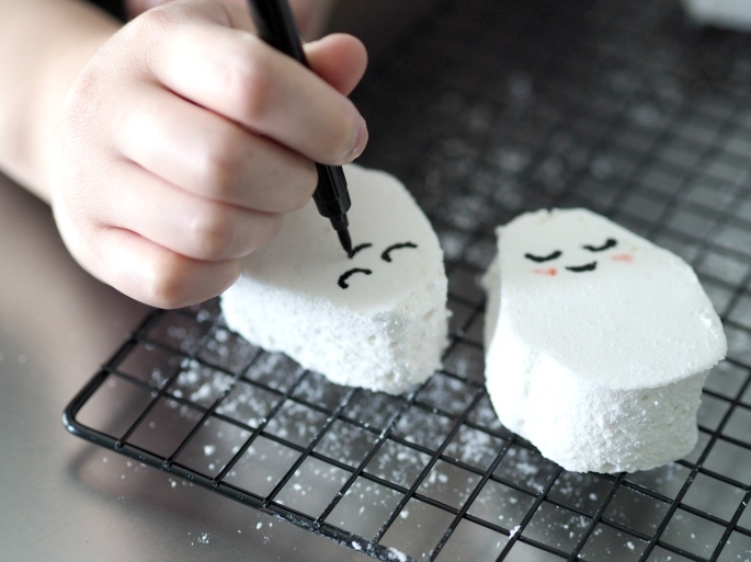 Ghost Marshmallows