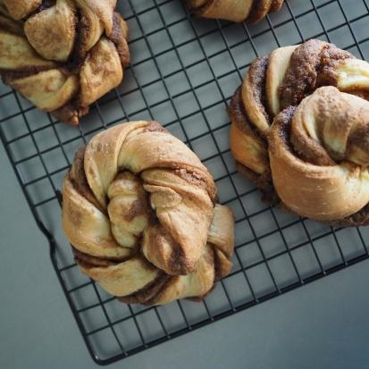 cinnamon twist buns (12)